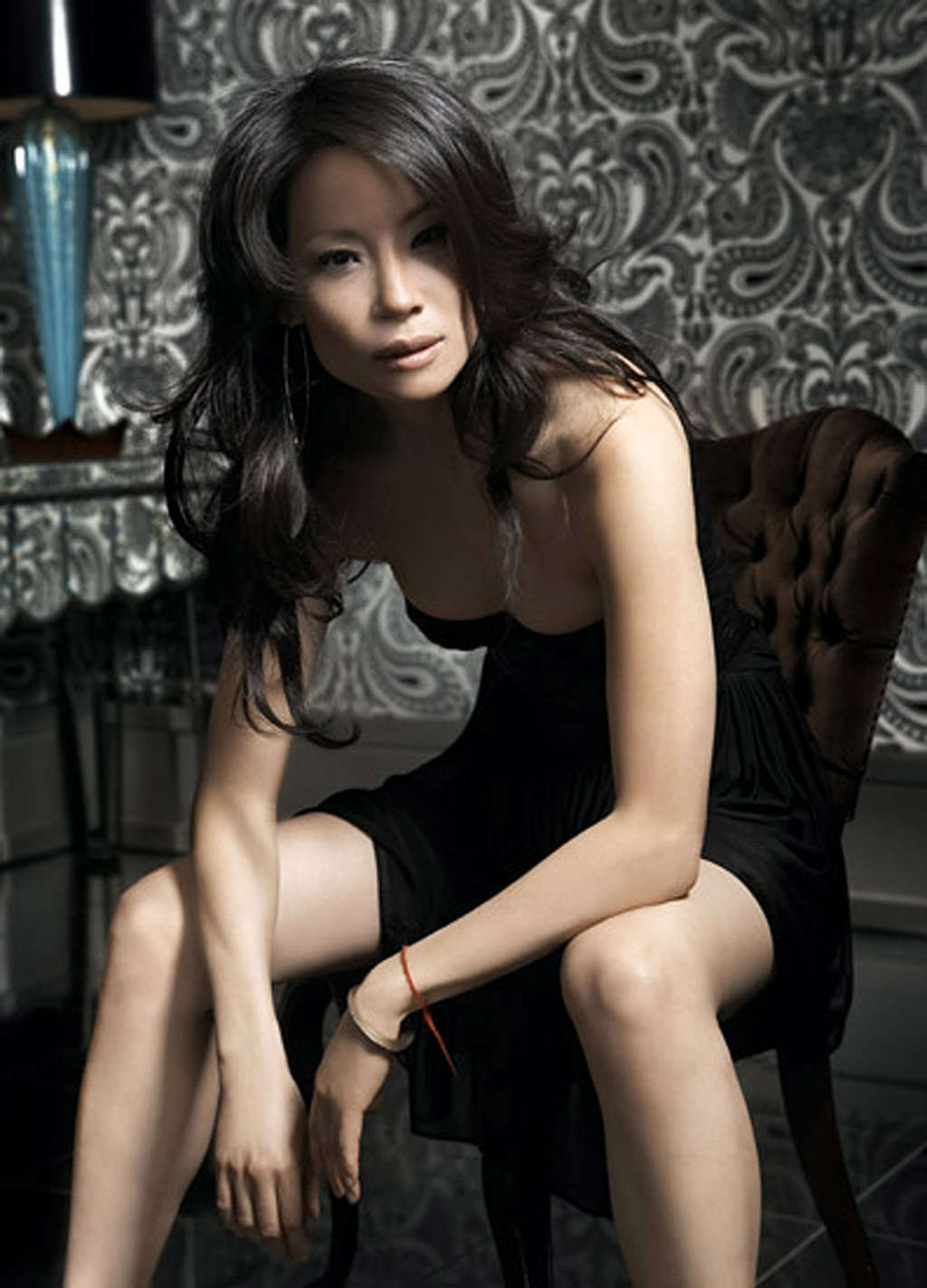 30 Hot Lucy Liu Bikini Pictures - Show Her Young Sexiest Feet Legs Look